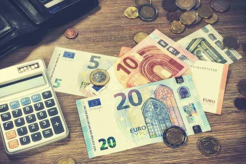 Kreditrechner Geldscheine